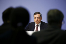 Draghi revela que el BCE evaluará su política monetaria en marzo