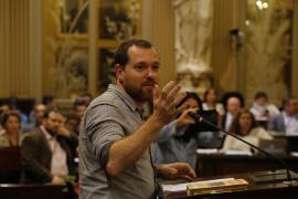 Abril califica de «auténtico escándalo» la demanda de Barceló por el Palacio de Congresos