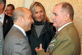 El Govern paga 6.692 euros por una bandera española que compró Bauzá