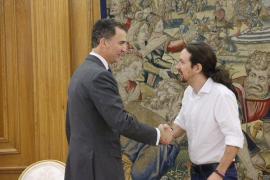 Felipe VI completa este viernes con Iglesias, Sánchez y Rajoy su ronda de contactos