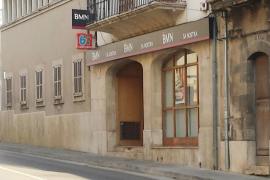 Atracan una sucursal bancaria en Consell