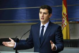 Rivera: «A Sánchez le toca decidir entre constitucionalismo o separatistas»