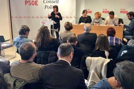 Armengol apuesta por Sánchez al tiempo que critica el «reparto de cargos» de Iglesias