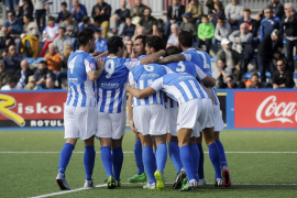 El Atlètic Balears detiene su crisis ante el Olímpic