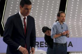 Primer contacto entre Sánchez e Iglesias tras la propuesta de formar gobierno