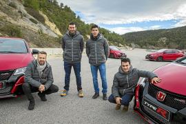 Márquez, Pedrosa, Bou y Monteiro, con el Honda Civic Type R