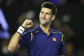 Djokovic bate a Federer y luchará por su sexto título en Melbourne