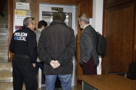 El secretario municipal de ses Salines dice a la juez que ahora actuará contra las irregularidades en un hotel