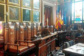 Ciudadanos pide la dimisión de la regidora Martín por becar a su marido