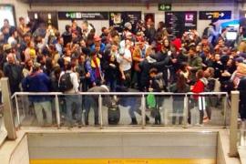 Una fiesta ilegal en el metro de Barcelona llega a las redes