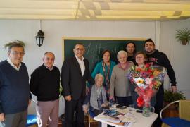 La calvianera Isabel Servera celebra sus 100 años con un emotivo festejo