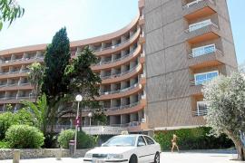 Otro turista, herido grave al caer desde un primer piso en un hotel en Cala Major