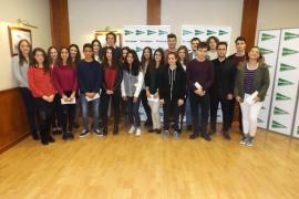 La Fundación Ramón Areces entrega 33.000 euros en becas para hijos de empleados de El Corte Inglés