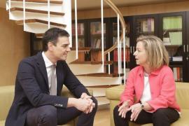 Pedro Sánchez y Ana Oramas