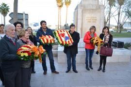Manacor recupera la ofrenda floral al obelisco dedicado a Alcover