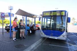 Cort reduce para los residentes la tarifa de autobús al aeropuerto