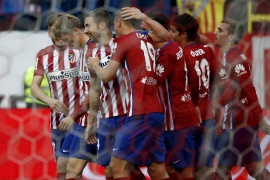 Un arrebato y dos cabezazos levantan al Atlético ante el Eibar