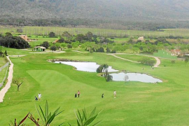 Més pide que el Govern investigue los campos de golf de agua potable