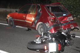 Muere una motorista al colisionar contra un coche en la carretera vieja de Sineu