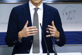 El PSOE ofrece derogar la reforma laboral y la Lomce y aprobar una renta mínima