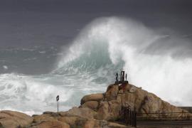 Alerta amarilla en Balears y naranja en Mallorca por olas de hasta 4 metros