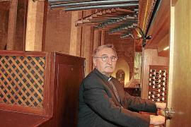 La Diócesis 'jubila' al organista de la Seu y «posiblemente» le sustituya un seglar