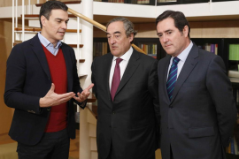 Pedro Sánchez, Juan Rosell y Antonio Garamendi