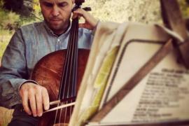 Miquel Àngel Aguiló interpreta 'suites' de Bach para violonchelo en Sa Màniga