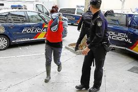 La red detenida también robó vehículos en depósitos de Sevilla y Murcia