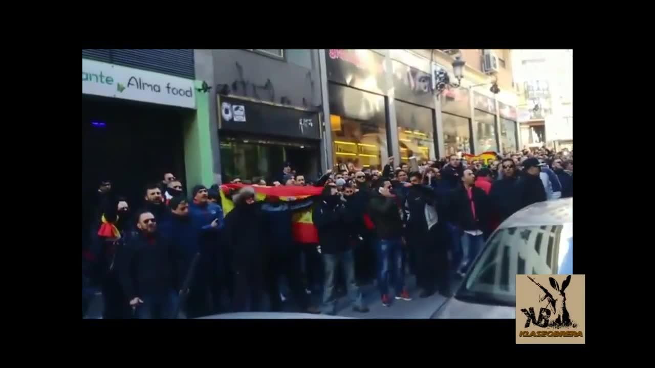 Policías de Madrid persiguen e insultan al delegado de Seguridad tras una protesta