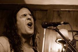 'Open mic' en Aqua Bar, una 'jam session' para músicos y cantantes