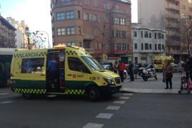 Nueve heridos leves en un accidente entre un turismo y un autobús en Palma