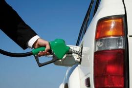 El precio del litro de gasolina se sitúa en mínimos desde mediados de 2009