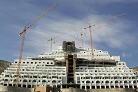 El Supremo falla que el Algarrobico se construyó sobre terreno no urbanizable