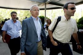 Las negociaciones entre AENA y los controladores seguirán mañana tras una reunión sin avances