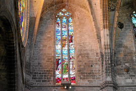 La polémica entre los arquitectos Rubió y Forteza por la luz de la Seu, en un libro