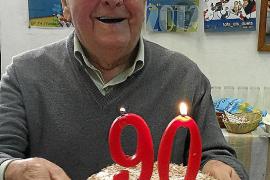El actor Joan Maria Melis celebra su 90 aniversario junto a familiares y amigos