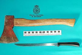 Prisión para un hombre por intentar matar a su mujer con un hacha y clavarle un cuchillo en Palma