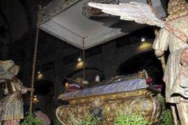 Solemne traslado de la Virgen en el monasterio de La Concepción