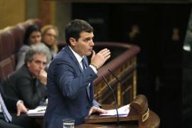 Albert Rivera dice que los que «votan 'no' son los que quieren romper España»