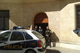 Detenido un joven fugado de Es Pinaret tras robar en un instituto de Palma