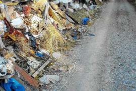 El Govern recibió 61 denuncias por vertederos ilegales en 2015 y no impuso ninguna sanción