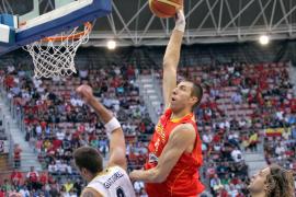 España se sobrepuso al final a sus problemas en el juego interior