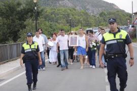 Los vecinos de sa Coma y Son Curt se rebelan y celebran la  procesión sin el párroco