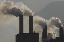 La industria europea prepara la subasta para comprar derechos de contaminación