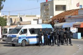 Un ataque yihadista deja al menos 53 muertos en Túnez
