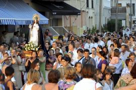 Procesión por tierra y por mar para celebrar la Mare de Déu d'Agost