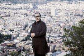 Sebastià Perelló da «voz al silencio» en su nueva novela, 'Veus al ras'