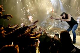 AC/DC pospone su gira en EEUU ante el riesgo de que su cantante se quede sordo