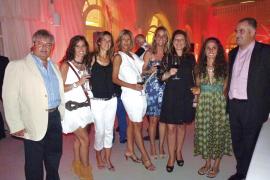 Fiesta de la Fundación Àlex en el Club Náutico, una solidaria velada